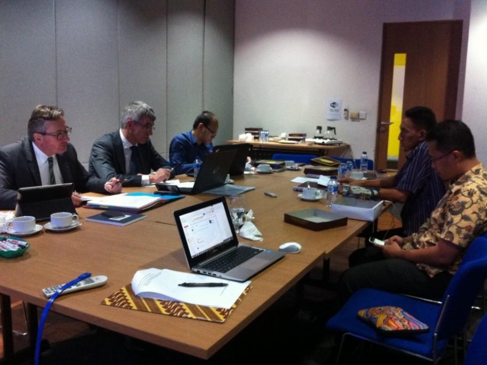 Diskusi Hogerad LeIP dan Tim Asistensi