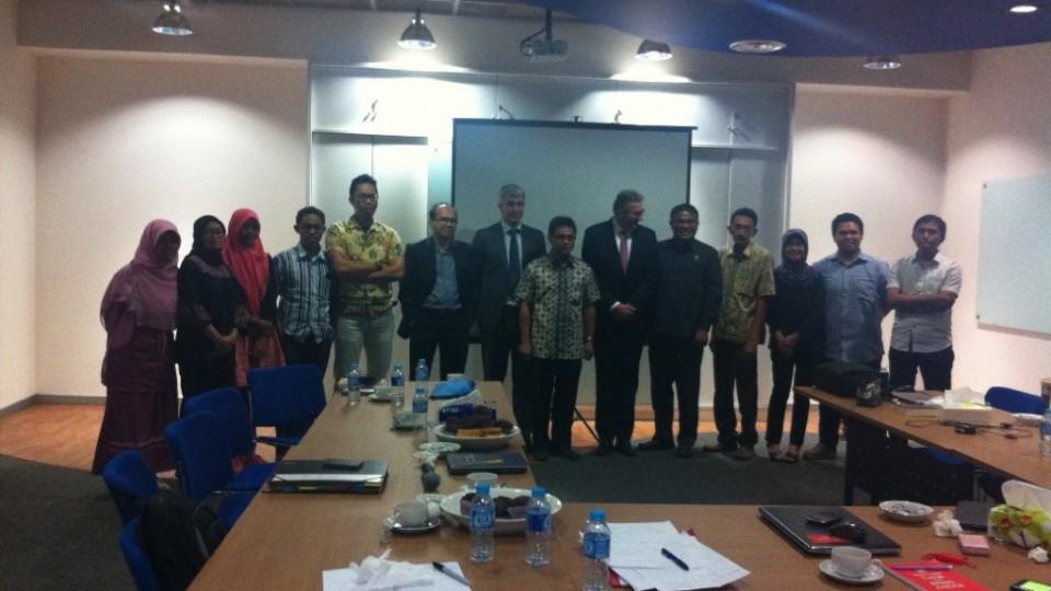 Diskusi hogerad dengan NGO-2