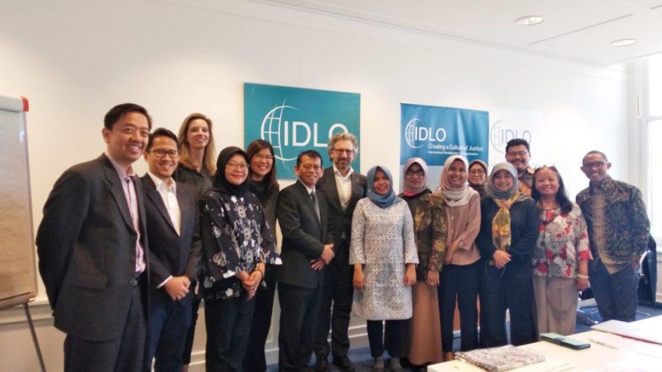 10-Delegasi-dengan-Perwakilan-IDLO-Den-Haag